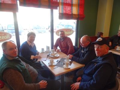 Frühstück mit Zfr. v. r. Heinz Topmöller (club Weser-Ems), Wolfgang Köpcke (Club-R) Peter u. Helene Rolfes (beide Club Werser- Ems) u. selbst